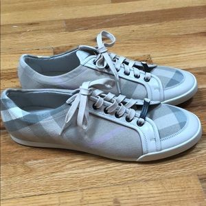 Burberry sneakers size 41